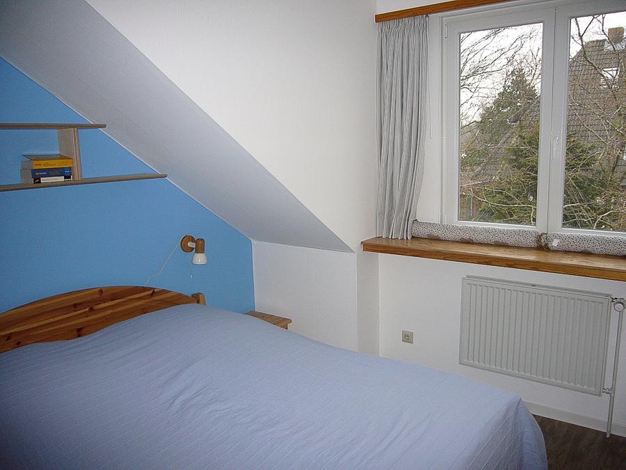 schlafzimmer-balkonwohnung-2